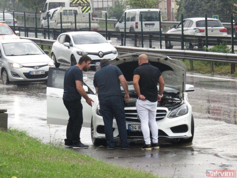 Meteoroloji uyarmıştı! Pendik'te araçlar mahsur kaldı, trafik