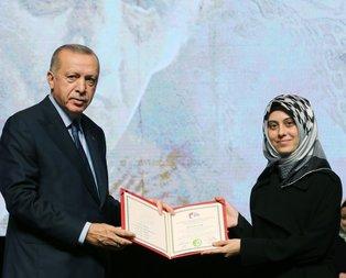 Erdoğan, yüksek lisans öğrencilerine diplomalarını verdi