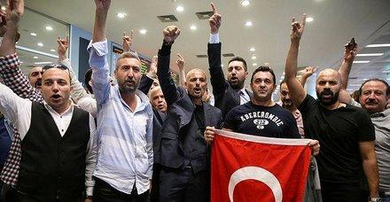 Son dakika: ABDde terör destekçilerine karşı çıkınca tutuklanan Sinan Narin Türkiyede!