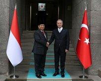 Bakan Akar, Endonezya Savunma Bakanı ile görüştü