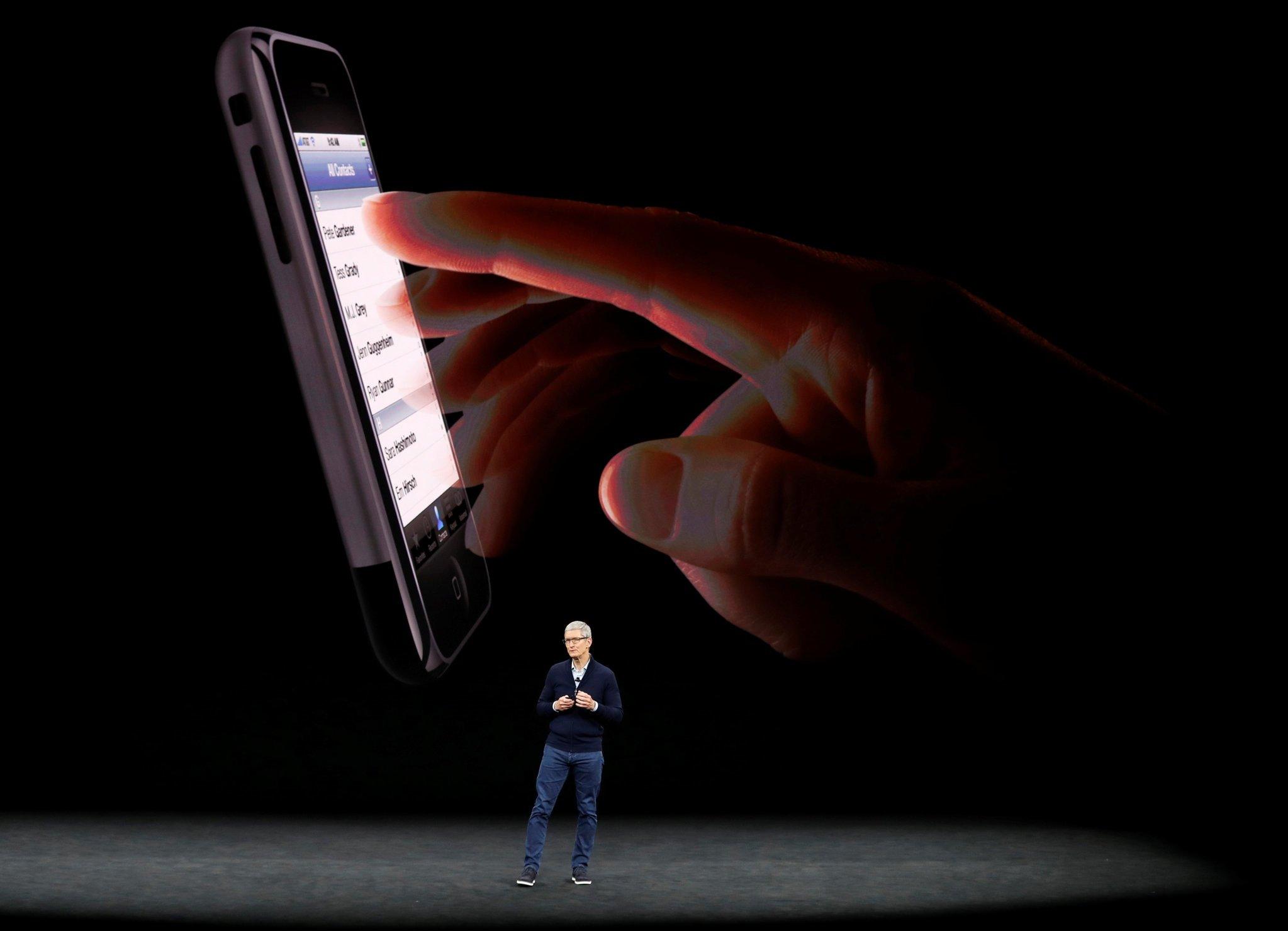Dünyanın beklediği iPhone 8 tanıtıldı