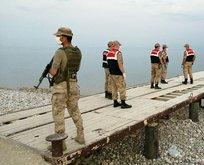 Van'da batan teknede ölen göçmenler...