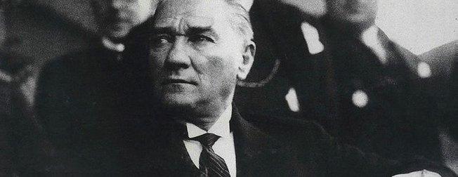 Atatürk resimleri ve Atatürk'ün unutulmaz sözleri