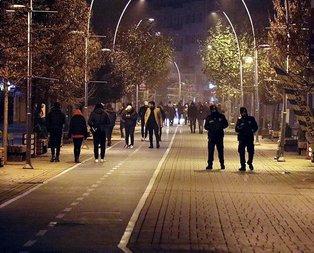 Deprem vatandaşları sokağa döktü