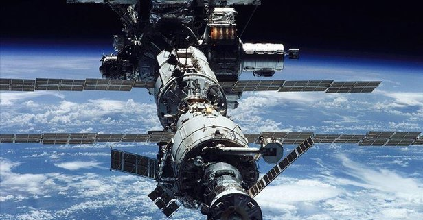 ISS dünyaya duyurdu: Dünyaya geri dönüyorlar