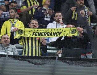 Fenerbahçe'ye büyük destek! Tribünde dikkat çeken Trabzonspor detayı...