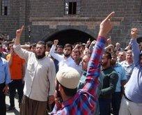 Diyarbakır Ulucami'de cuma namazında provakasyon