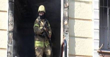 Esenyurtta 4 katlı binada yangın