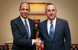 Bakan Çavuşoğlu, KKTC'li mevkidaşıyla görüştü