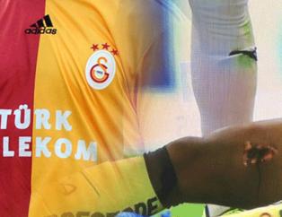Galatasaraylı eski yıldız korkunç bir şekilde sakatlandı! Bacağına krampon girdi