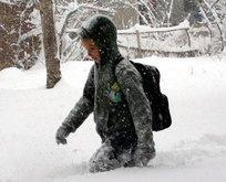 Kar yağışı okulları tatil ettirdi