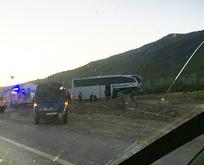 Afyonda feci kaza! Tur otobüsü ile TIR çarpıştı