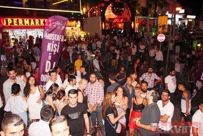 400 polis dünyaca ünlü barlar sokağına girdi