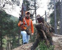 Avcı vurduğu domuzun saldırısına uğradı!