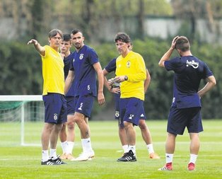 Fenerbahçe'de Phillip Cocu nefes aldırmadı!