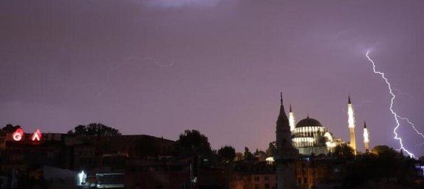 İstanbul'da beklenen yağış başladı! İstanbul'da yağış kaç gün sürecek?
