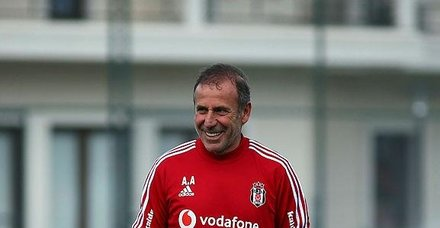 Beşiktaş Teknik Direktörü Abdullah Avcı'dan flaş transfer açıklaması!