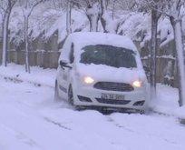 Kağıthane'de sokaklar buz pistine döndü!