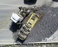 Başakşehir'de trafiği durduran olay! Tonlarcası yola saçıldı
