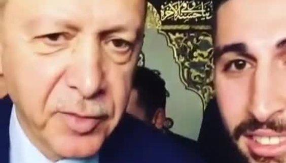 Cumhurbaşkanı Erdoğan, Bursalı gencin isteğini geri çevirmedi!