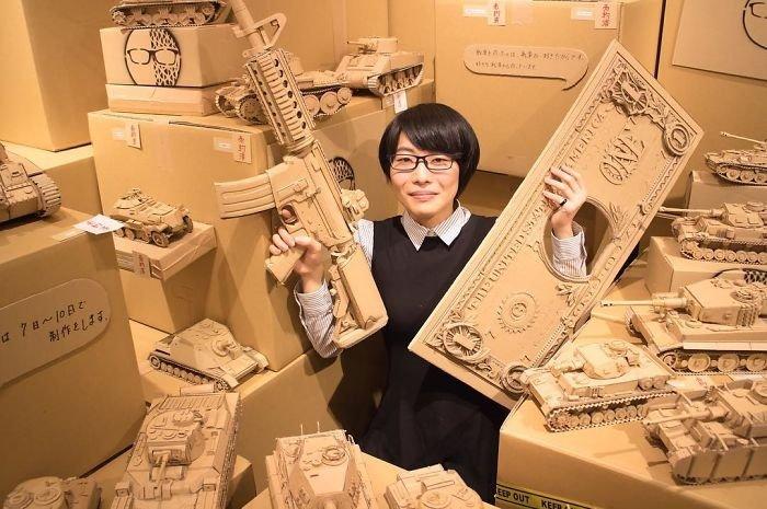 Kartonlardan yeni bir dünya oluşturdu!