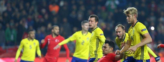 Türkiye-İsveç maçı için flaş iddia! Hakem 2 penaltı sözü verdi