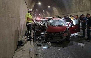 Karşı şeride geçti ölüm saçtı! İstanbul'da korkunç kaza