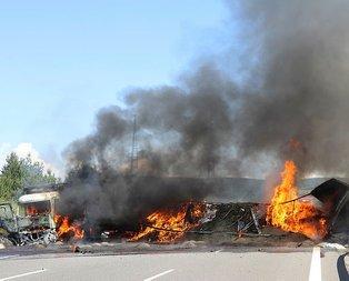 TEM'de zincirleme kaza! İstanbul-Ankara yönü ulaşıma kapandı