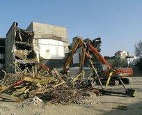 AKM'nin yıkım çalışmaları devam ediyor