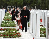Cumhurbaşkanı Erdoğan Şehitler Abidesini ziyaret etti