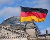 Almanya FETÖ'ye para yağdırıyor