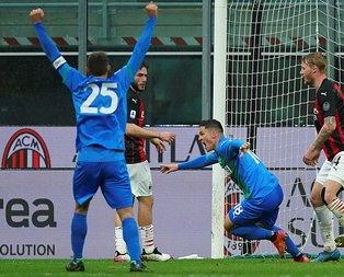 Milan evinde Sassuolo'ya yenildi